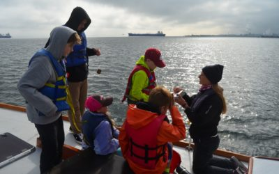 Salish Sea Expedition Educates 5th and 6th Graders about Puget Sound